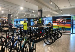 Trek store Eindhoven_binnen_1